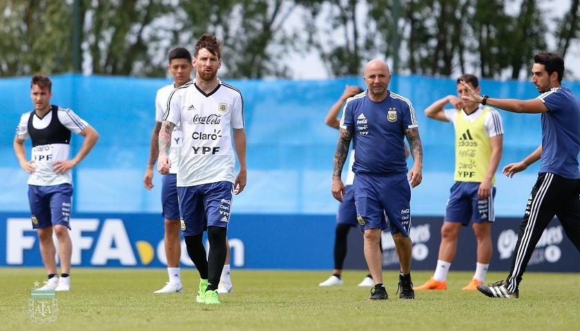 Ya se palpita el comienzo del Mundial de Rusia. Pitana será el árbitro en el cotejo inaugural. Argentina debuta el sábado a las 10 horas