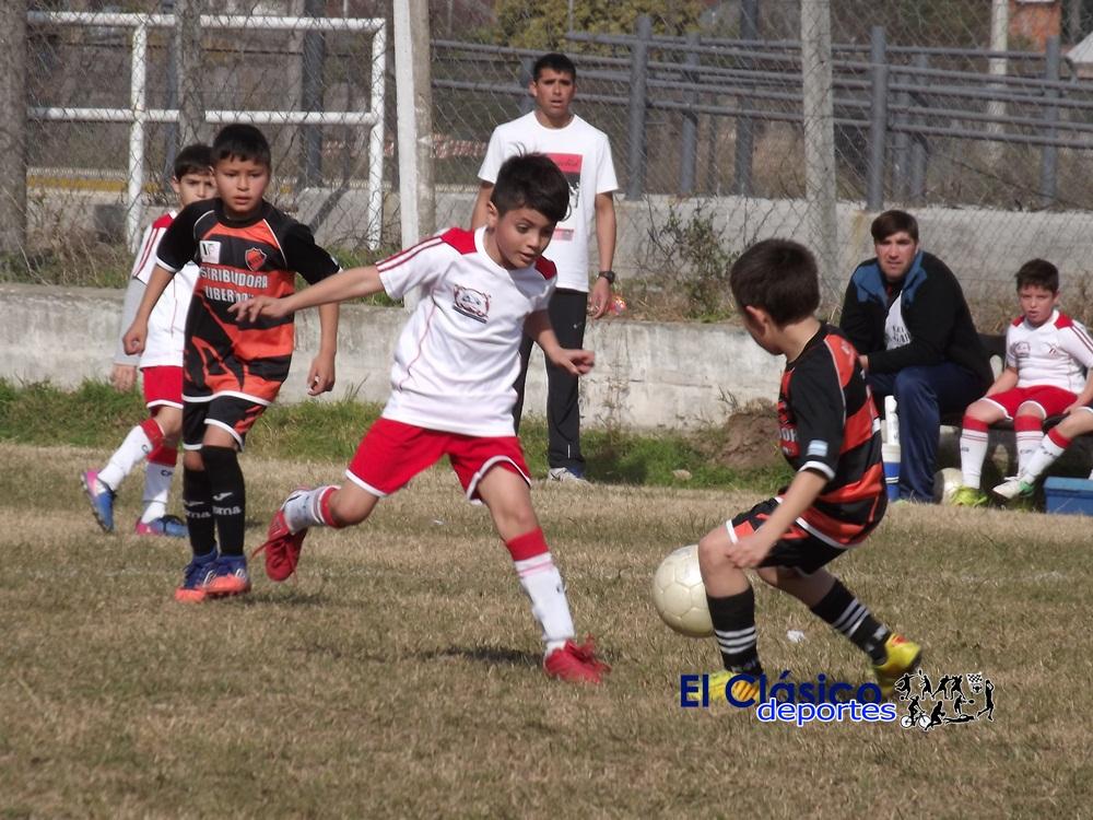 Lee más sobre el artículo Paraná, Villa Igoillo, El Tanque, El Porvenir y Mitre punteros tras jugarse la 14° fecha