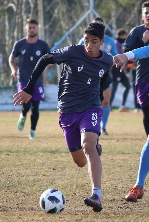 Francisco Nouet jugó con titulares y suplentes un amistoso ante Flandria