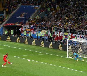 Inglaterra clasificó a cuartos de final en los penales. El rival será Suecia.