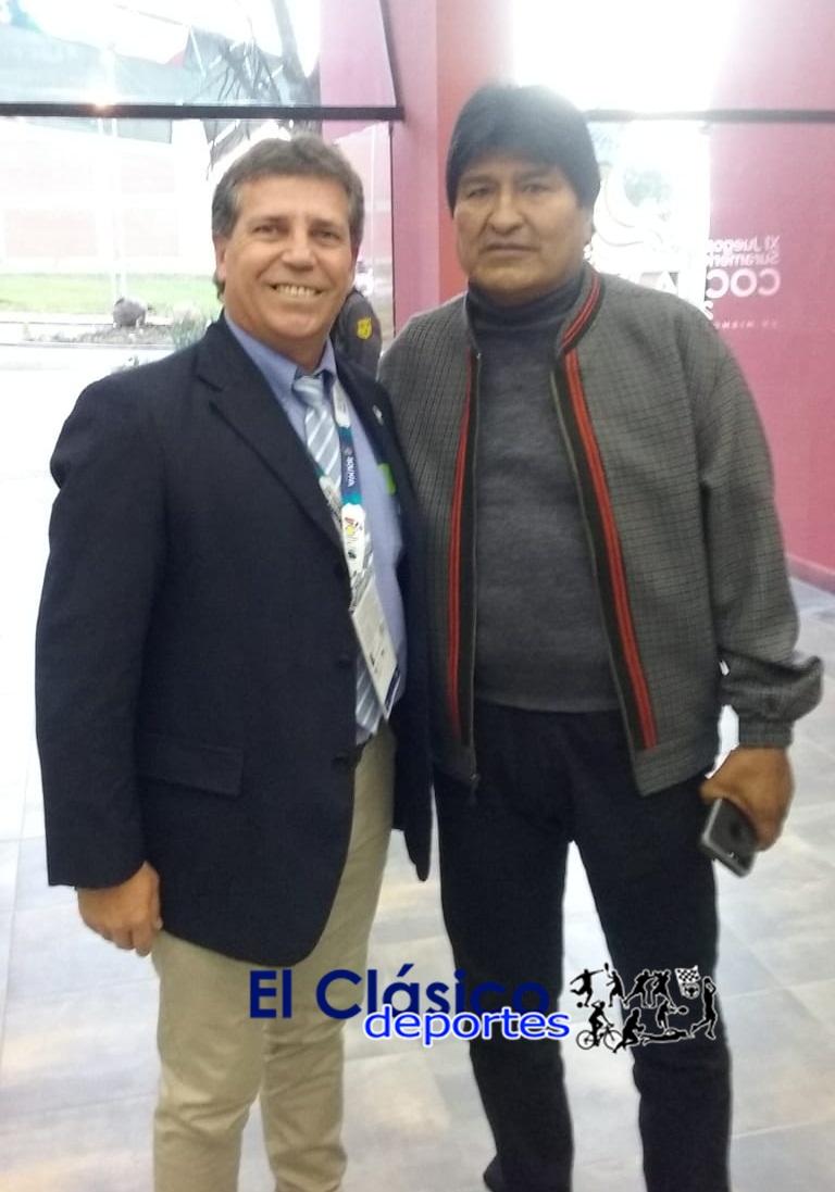 Panamericanos de Ciclismo en Cochabamba, Bolivia. Baca junto al presidente Evo Morales
