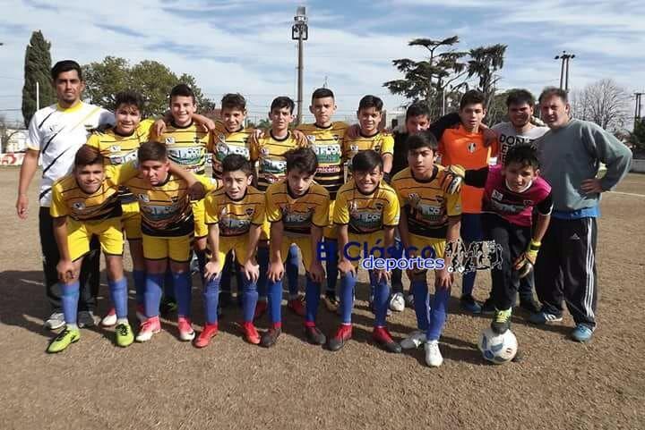Torneo de Clubes Sub 13: Douglas Haig, Regatas y Somisa en la zona de Independencia