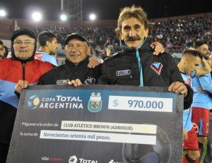 Brown (A) venció por penales a Independiente en el cierre de los 16avos