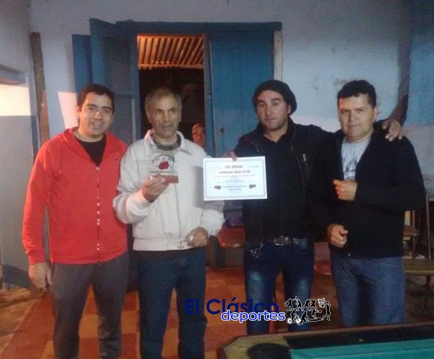 Carlos Vargas celebró los 20 años como entrenador de Boxeo. Reconocimiento a Lorenzo Garcia que ya está en su casa!
