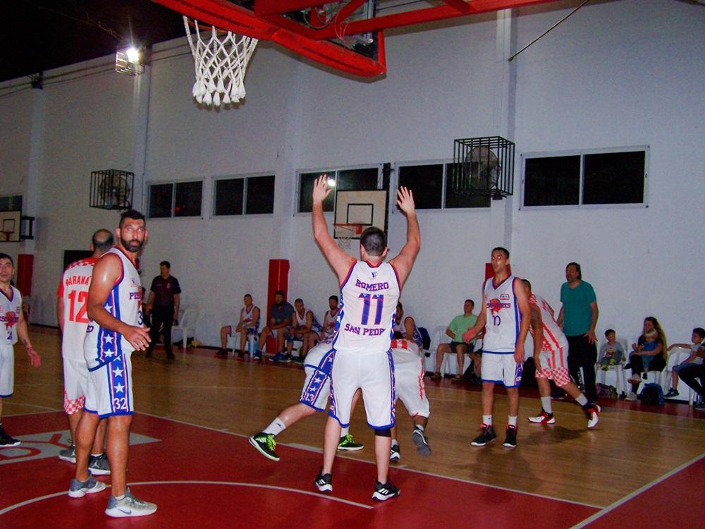 Comenzó el torneo de primera división de básquet con triunfos de Mitre y Paraná. ¡Mirá los videos!