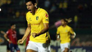 El equipo de Báez Corradi enfrenta al de Maradona