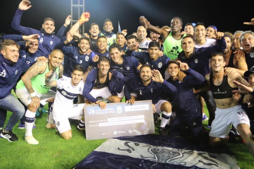 Gimnasia (LP) venció a River por penales y jugará una Final después de 25 años