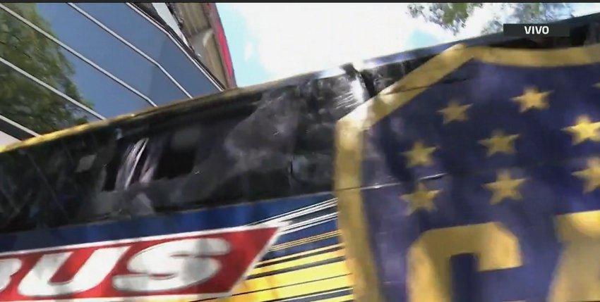 Agredieron al plantel de Boca al llegar al 'Monumental'. Varios jugadores lesionados