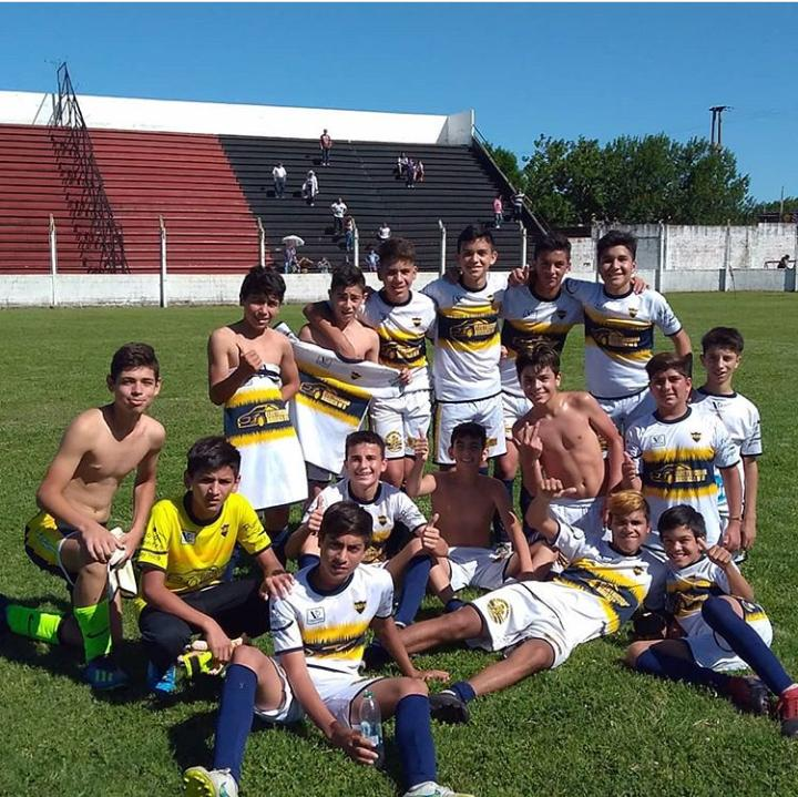 Independencia es finalista en quinta división