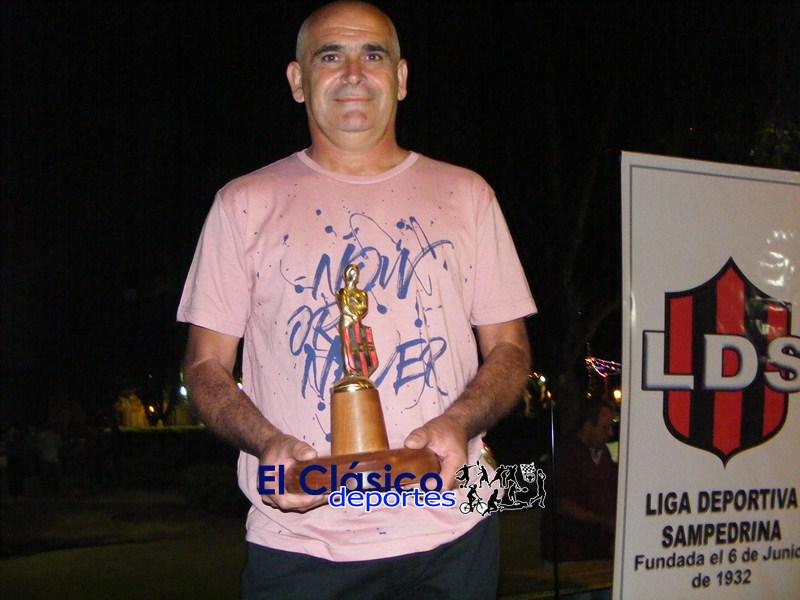 La Liga Deportiva Sampedrina premio a los campeones y destacados
