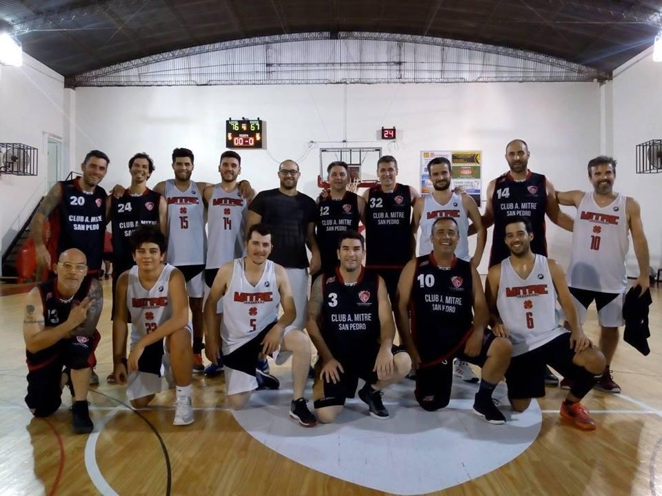 Cuatro equipos jugaron el certamen interno de mayores en Mitre