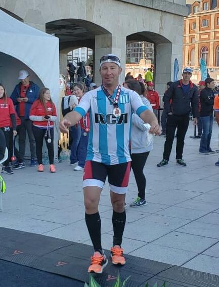 Cristian González participó del Ironman de Mar del Plata