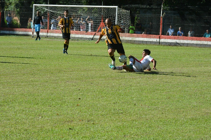Torneo Regional Federal Amateur: Gral. Rojo igualó sin goles con Sarmiento