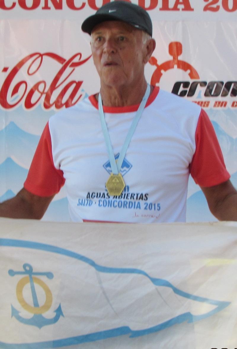 El nadador máster Juan Gazzolo logró dos récords