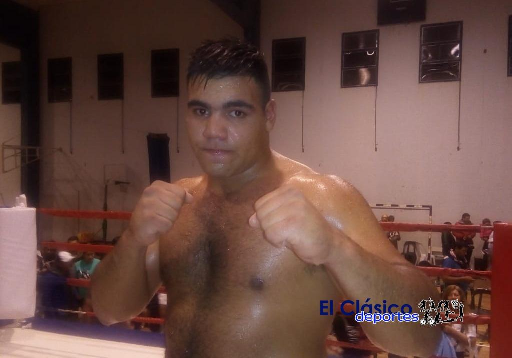 Boxeo: Espíndola se impuso por puntos a López en la pelea central de la velada llevada a cabo en San Pedro