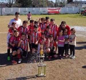 Fútbol infantil: Paraná en 2008 y Mitre en 2007 completaron el cuadro de campeones