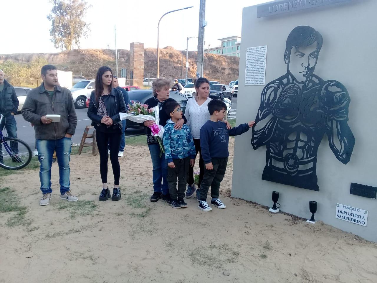 Fue inaugurada la Plazoleta «Día del Deportista Sampedrino» con un cálido homenaje a Lorenzo García