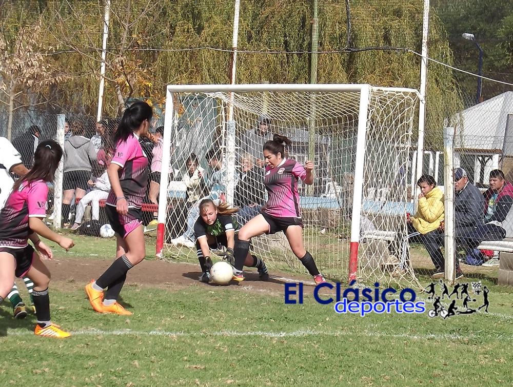 Fútbol femenino e infanto juvenil pasó para el lunes