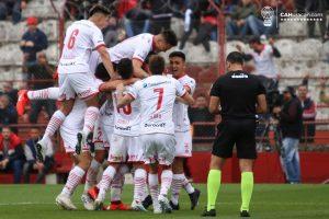 Superliga: Huracán se quedó con el clásico superando a San Lorenzo 2 a 0