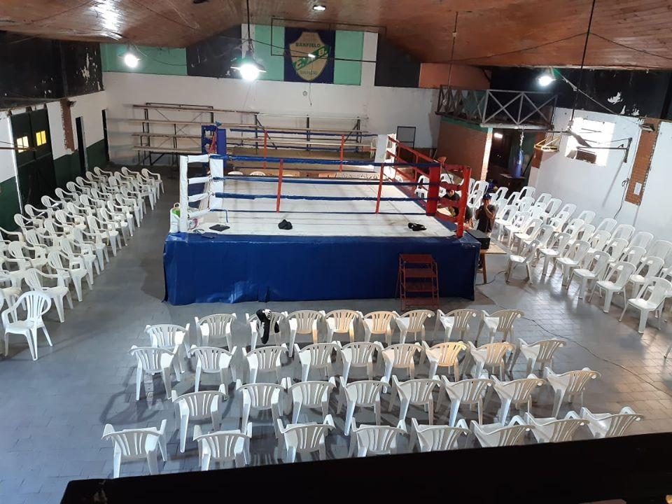 Sábado de boxeo en Banfield con Tobías Calveras como fondista