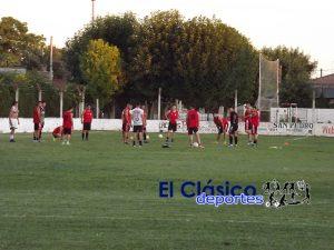 Paraná FC superó a Estrada FC en partido amistoso