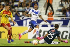 Copa Sudamericana: Tomás Oneto jugó un buen partido ante Velez en su debut. En Huracán Seba Ramírez viajó con la delegación