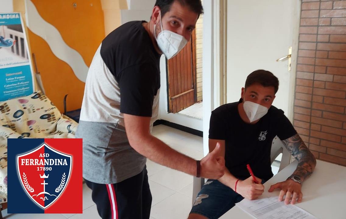 Iago Borjes firmó este martes en Italia y ya entrena con su nuevo equipo