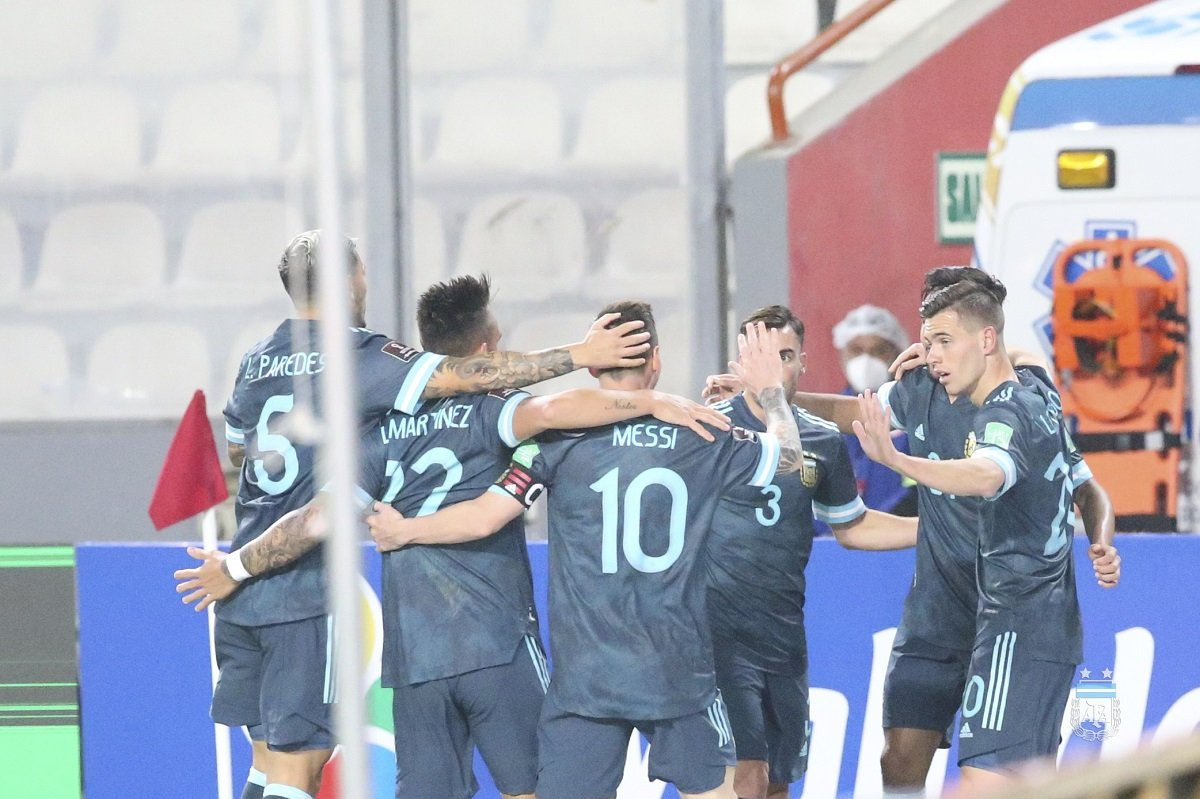 Eliminatorias Qatar 2022: Buen triunfo argentino ante Perú