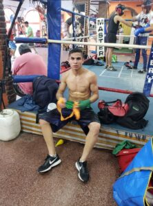 Boxeo: Laureano Ubiedo Sciuto se pone a punto para debutar como profesional