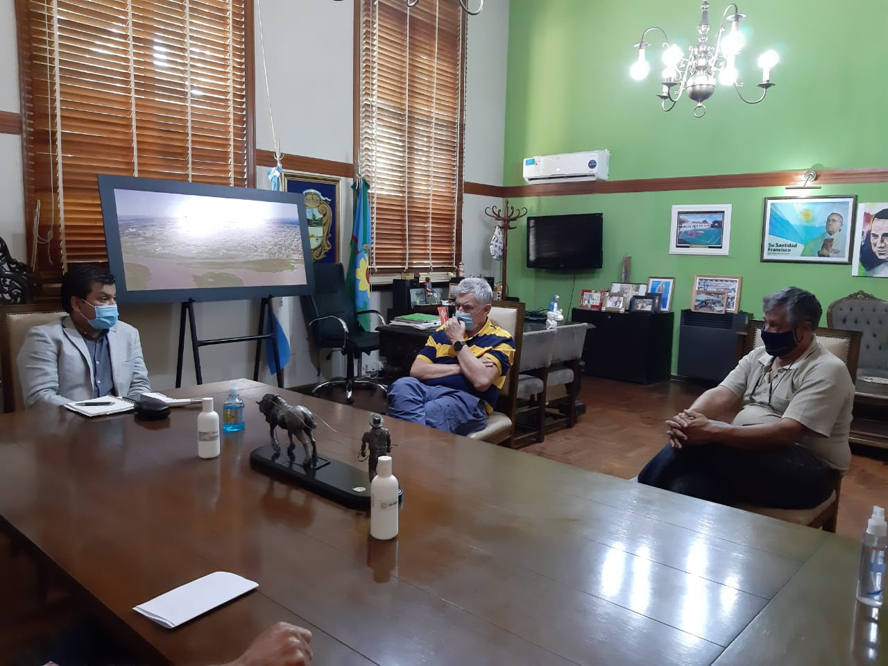 Reunión con Clubes en el Municipio local
