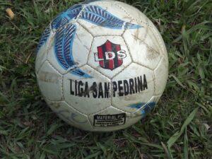 Fútbol local: todo sigue igual..