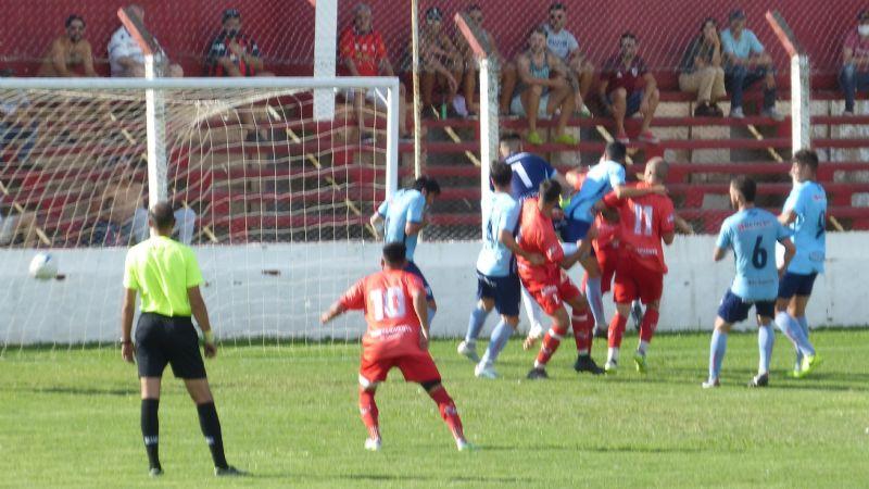 Independiente de Chivilcoy goleó a Juventud de Pergamino y jugará la final por el ascenso al Federal «A»