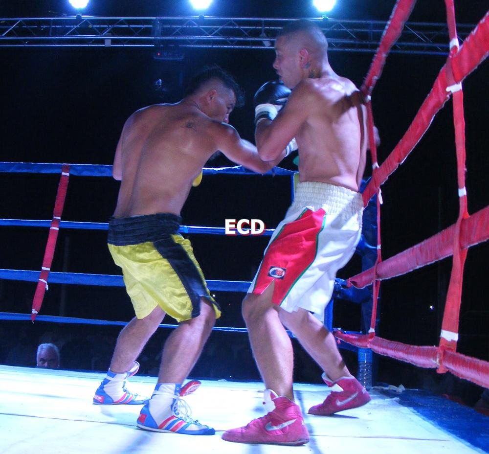 Boxeo en San Pedro: Muñoz ganó por KO en 1'35» del primer asalto. Triunfos de Correa y Sciuto