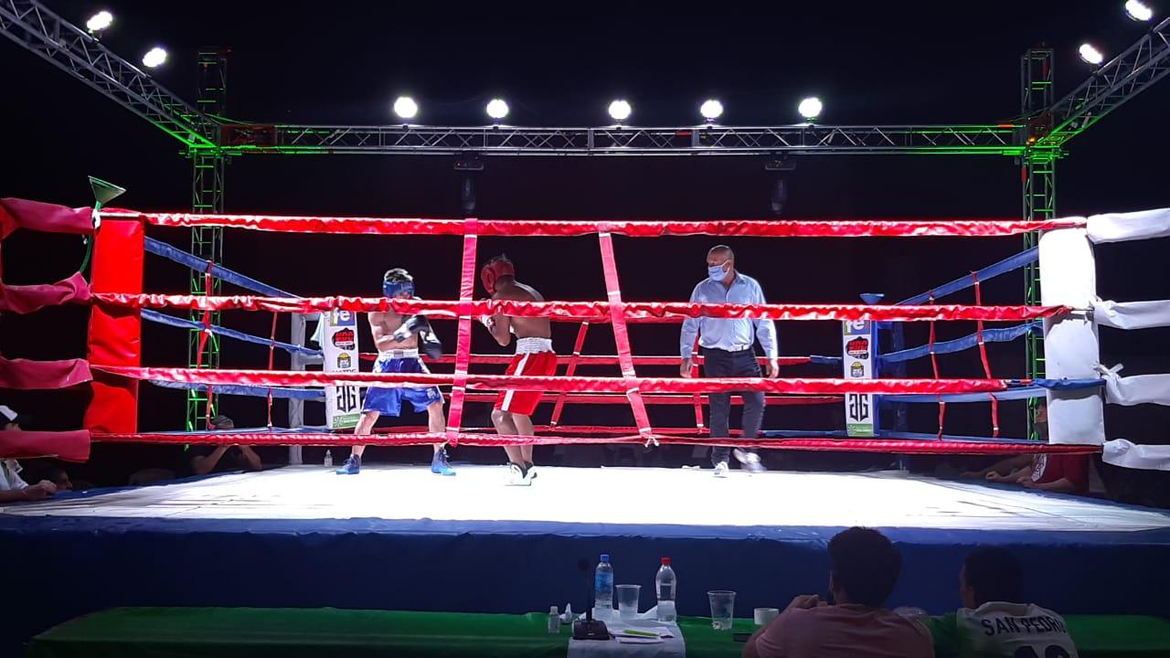 Boxeo en San Pedro: Triunfos de Tobías Alvarez y Juan Unco en las peleas centrales