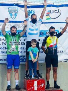 Lee más sobre el artículo Ciclismo: Un arrecifeño campeón argentino Máster