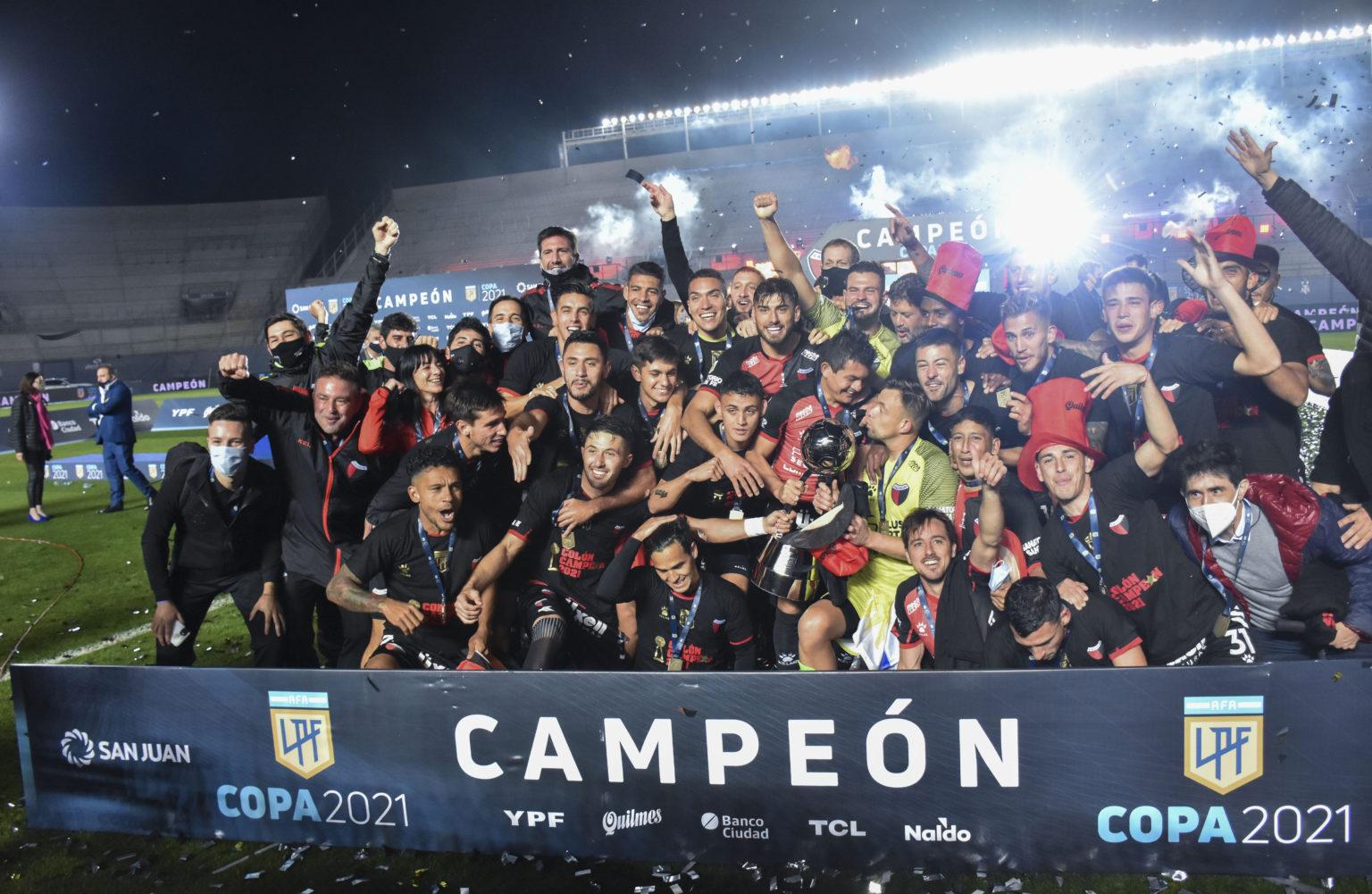 El «Sabalero» se coronó por primera vez campeón argentino