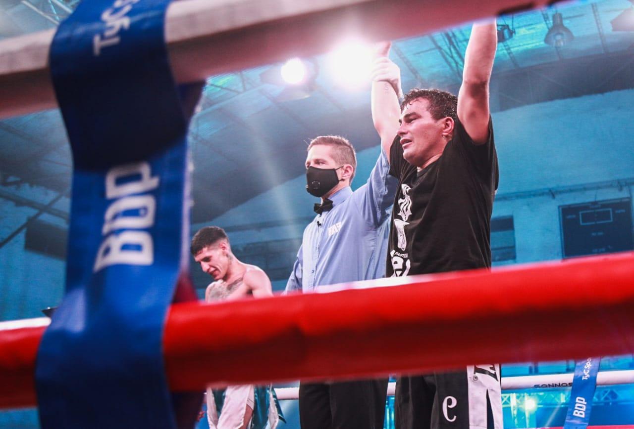 Lee más sobre el artículo Boxeo en San Pedro: Miguel «Chuky»Correa volvió al triunfo. Coria nuevo campeón Latino CMB