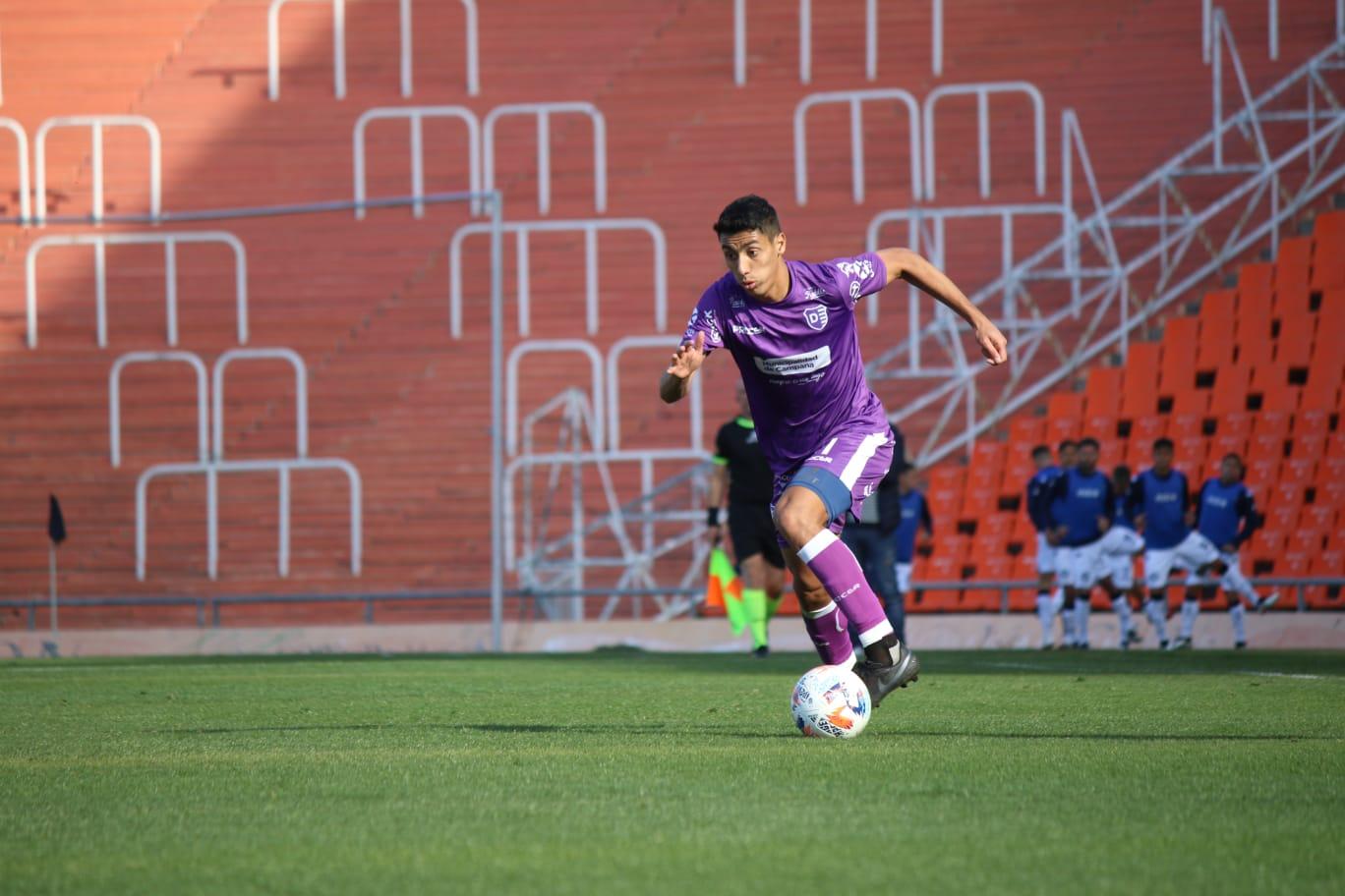 Primera Nacional: Fran Nouet retornó a Villa Dálmine y jugó en buen nivel